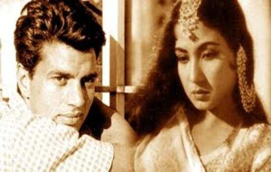 जब बीच सड़क बैठ कर चिल्लाने लगी मीना कुमारी धर्मेद्र का नाम, क्या हुआ था दोनों के बीच?