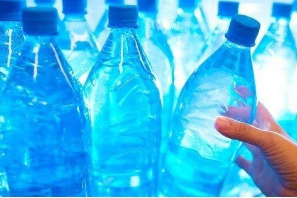 कमाल आइडिया: चार दोस्तों ने 5 लाख प्लास्टिक बोतलों की मदद से बना डाला  ख़ूबसूरत रिसोर्ट