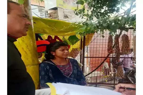 Mahila constable anjana Vrindavan