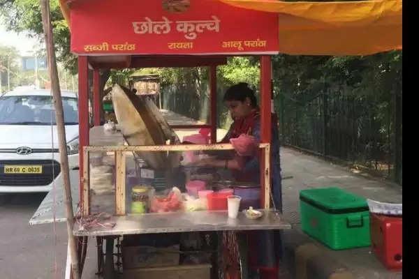 urvashi chole kulche